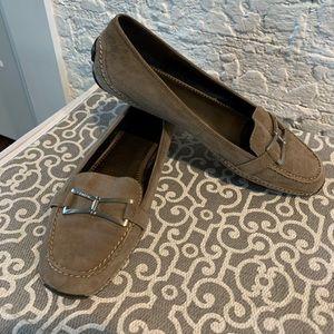 Calvin Klein tan Driving Loafers Sz 9